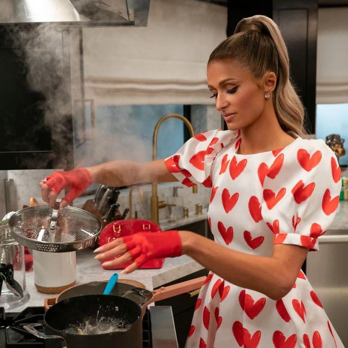Paris Hilton Has a New Cooking Show, Cooking With Paris