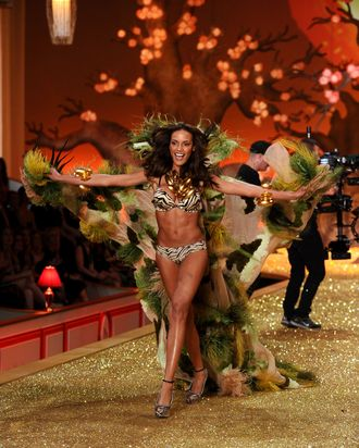Selita Ebanks in the Victoria's Secret show.