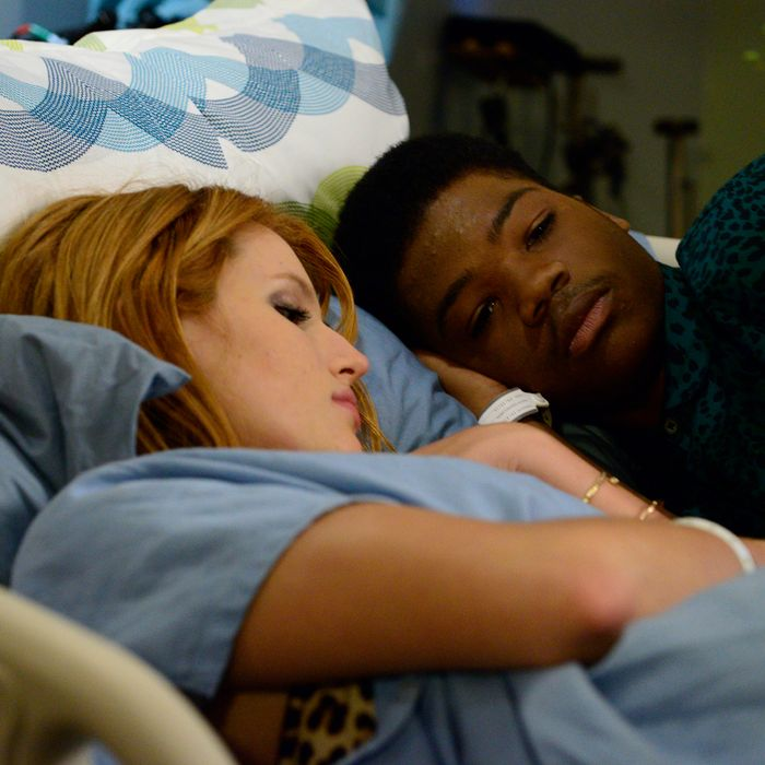 RED BAND SOCIETY: RED BAND SOCIETY: L-R: Delaney Shaw (Bella Thorne) and Dash (Astro) in the