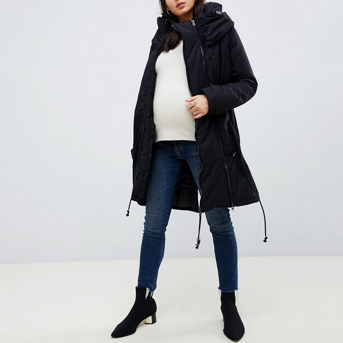 1b25db6755a0 The Best Winter Coats (That Aren't Hideous) for Pregnant Women, According  to Experts