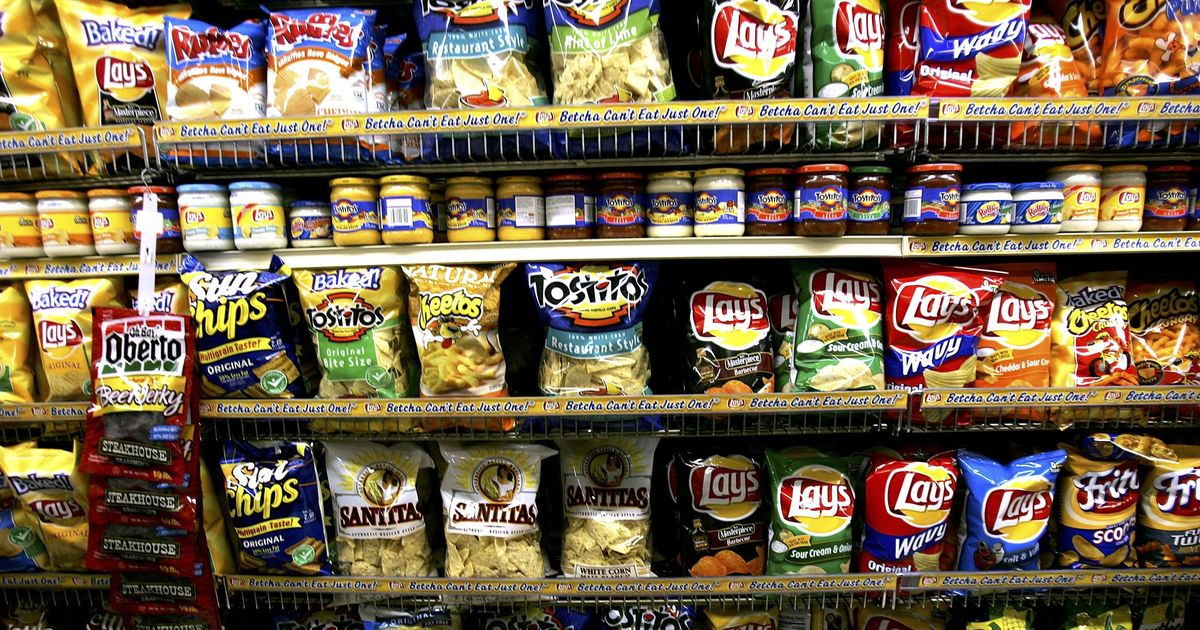 junk food ad Children exposed to just a few minutes of unhealthy food and beverage marketing ate more during and after the ads.