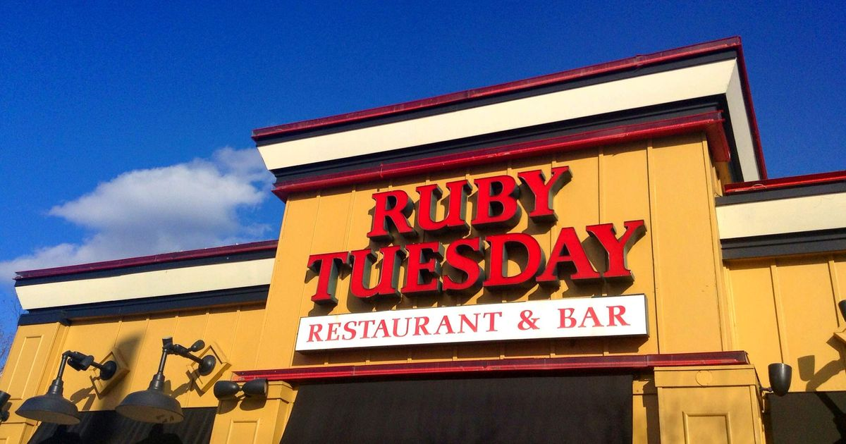 Ruby Tuesday Accused Of Underpaying Servers Grub Street