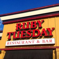 'Fancy' Mall Chain Ruby Tuesday Accused of Systematically Underpaying Its Employees