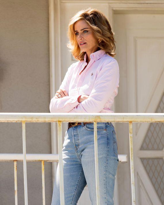 Amanda Peet as Betty Broderick in Dirty John.