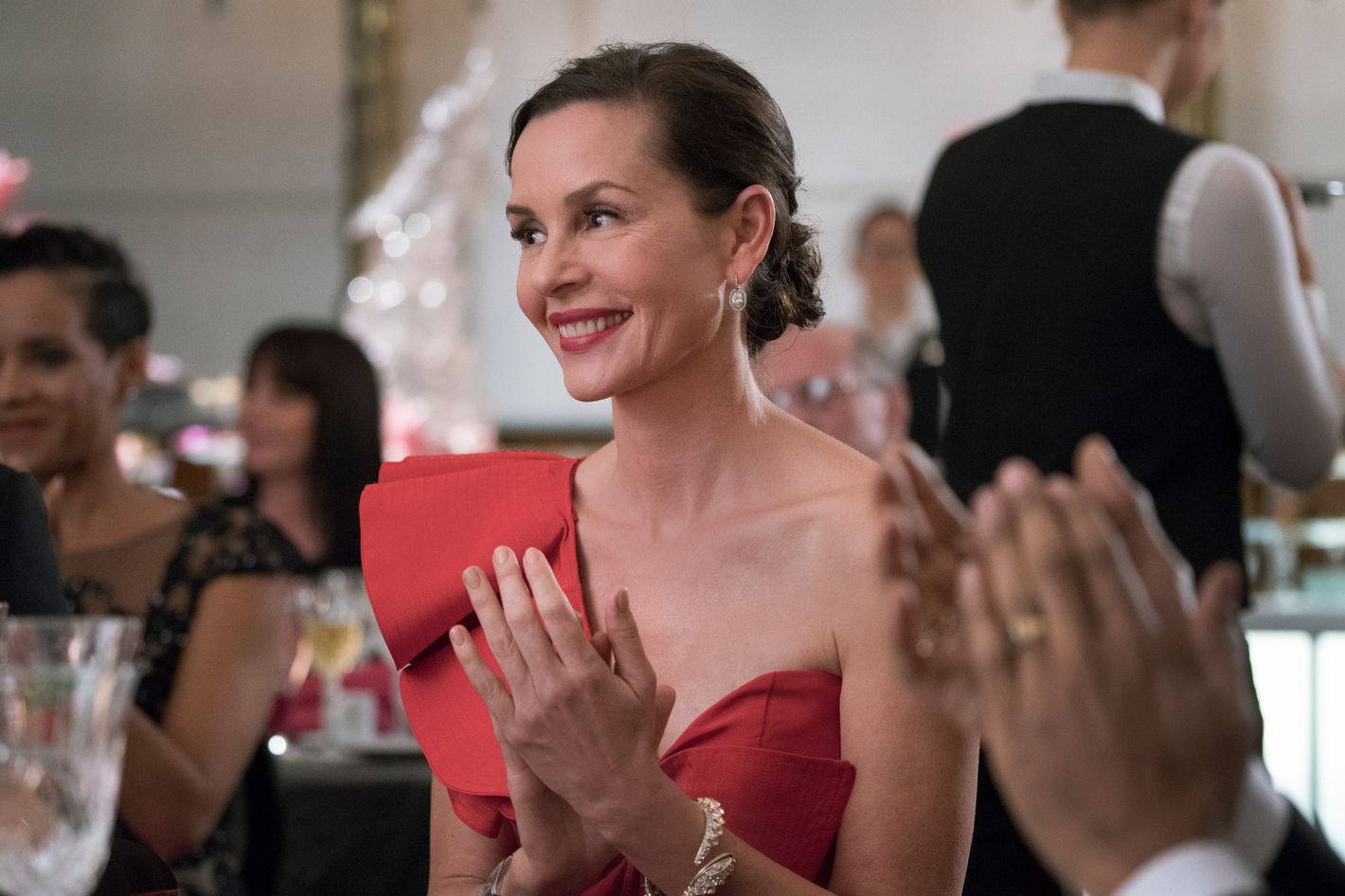 Ray Donovan's Embeth Davidtz Opens Up About Fighting Breast Cancer and Her  Complicated Nude Scene
