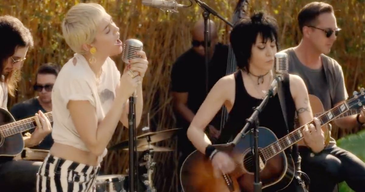 Miley Cyrus And Joan Jett Perform In A New Backyard Session To Raise Money For Lgbt Kids