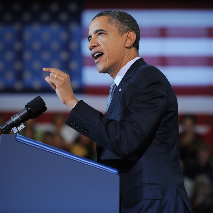 US President Barack Obama speaks on the economy and an extension of the payroll tax cut at Osawatomie High School December 6, 2011 in Osawatomie, Kansas.