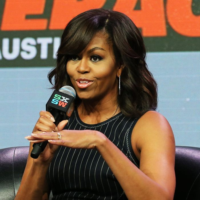 Beautiful singer Michelle Obama.