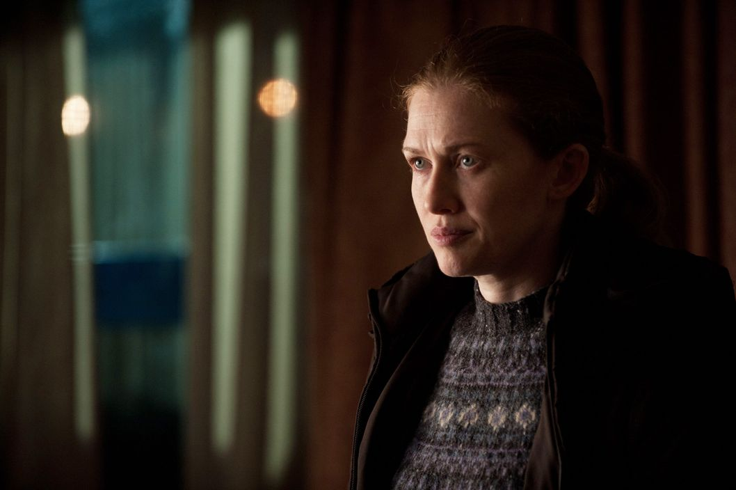 Sarah Linden (Mireille Enos) - The Killing - Season 2, Episode 5.