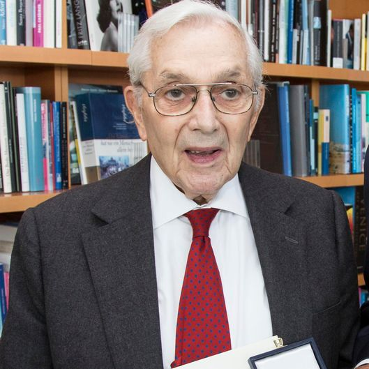Order of Merit of the Federal Chancellery Awarded to Sir Ken Adam
