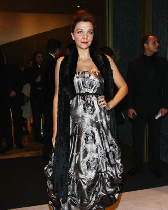 MILAN, ITALY - NOVEMBER 10: Actress Maggie Gyllenhaal attends the Armani Hotel Milano Opening on November 10, 2011 in Milan, Italy. (Photo by Vittorio Zunino Celotto/Getty Images)