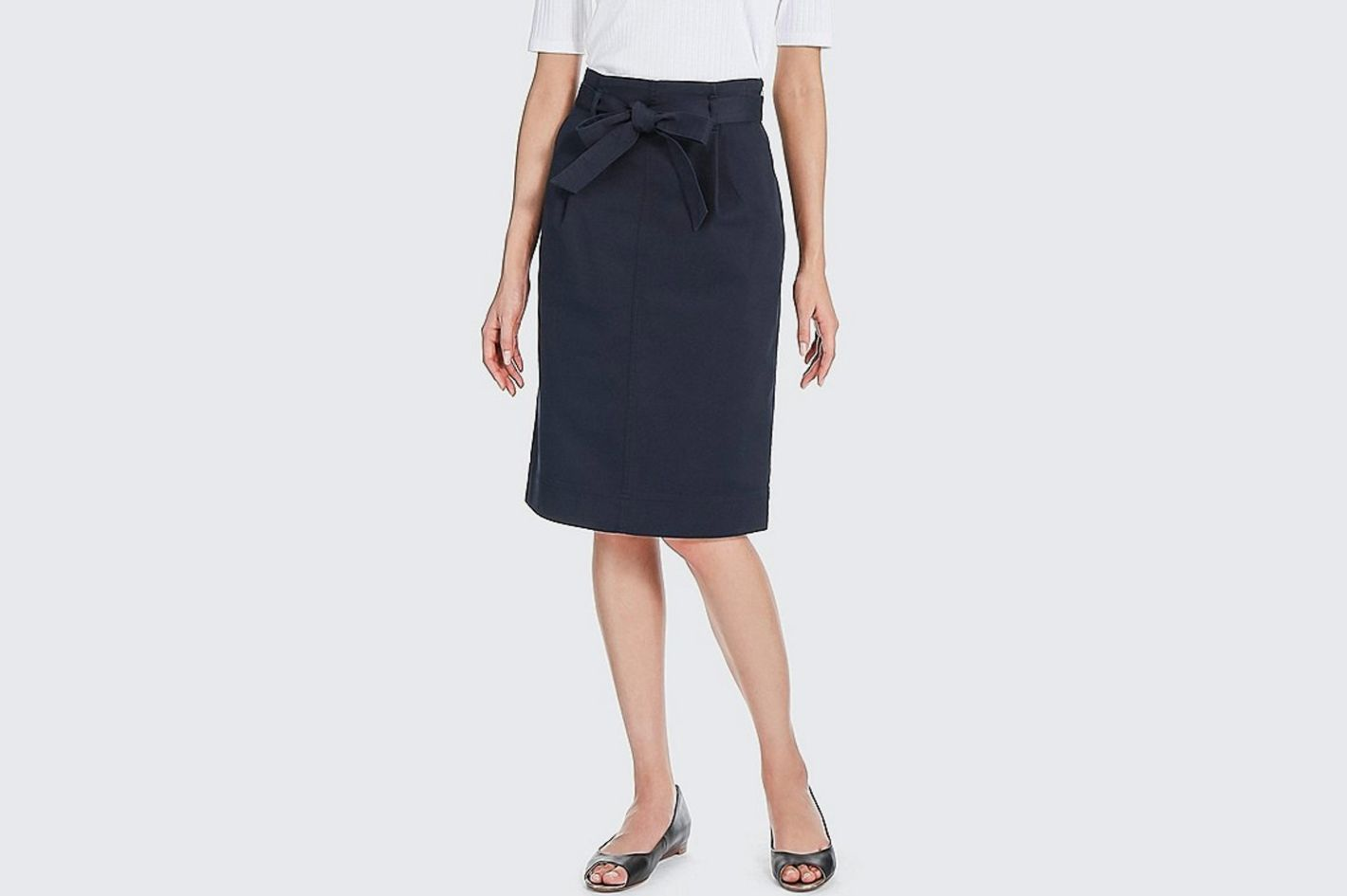 Uniqlo High-Waist Belted Narrow Skirt