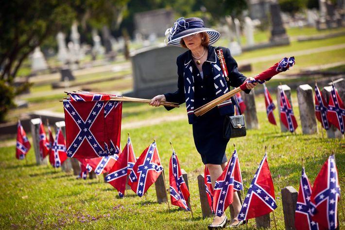 """Confederate Memorial Day"" Celebrated In Charleston, South Carolina"