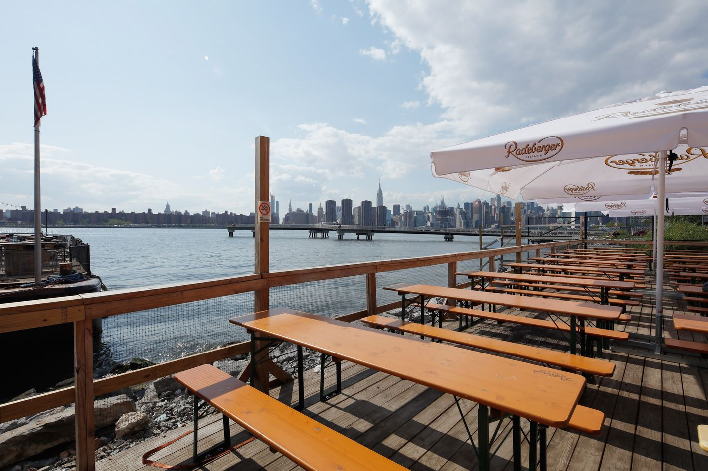 There's Now a Restaurant on a Floating Barge in Greenpoint
