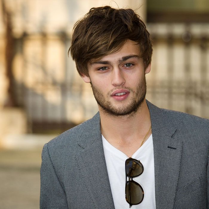 Meet Douglas Booth, Cinema's 'Offensively Attractive' New ...