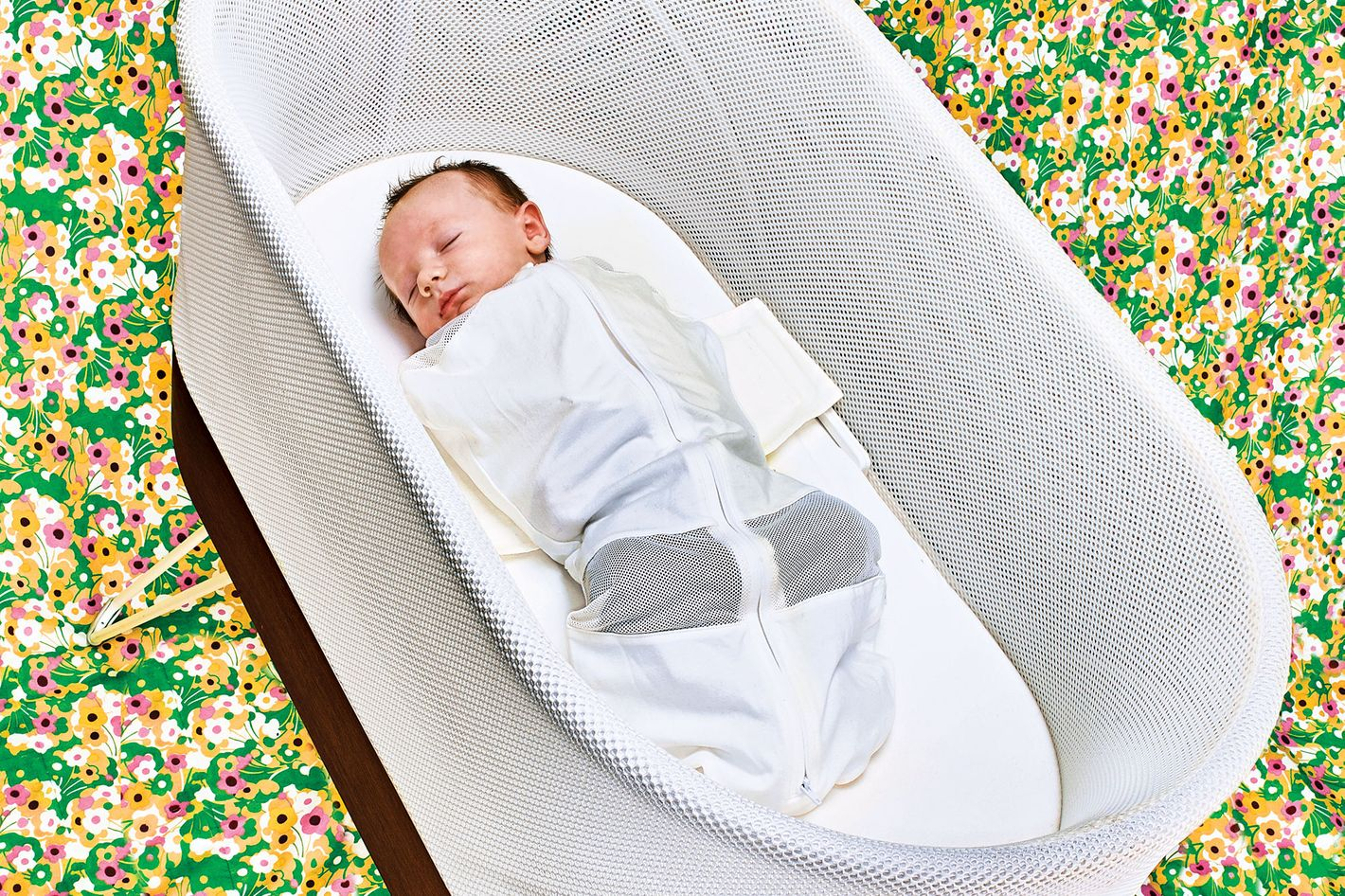 7434b0a3dda2 SNOO Smart Sleeper Bassinet Review