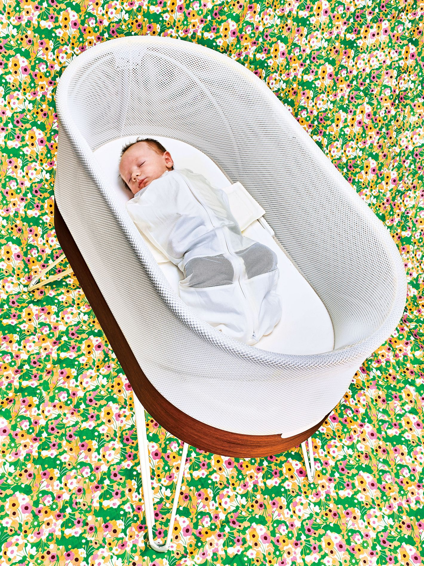 Baby Crib Mattress Critiques I Am a Less-Sleep-Deprived New Mom Thanks to This Bassinet