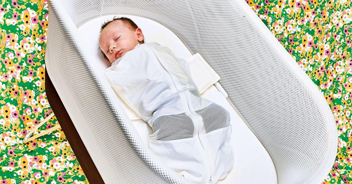 Snoo Smart Sleeper Bassinet Review The Strategist New