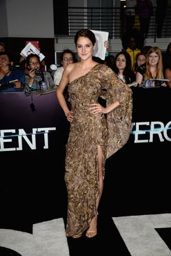 "Actress Shailene Woodley arrives at the premiere of Summit Entertainment's ""Divergent"" at the Regency Bruin Theatre on March 18, 2014 in Los Angeles, California."