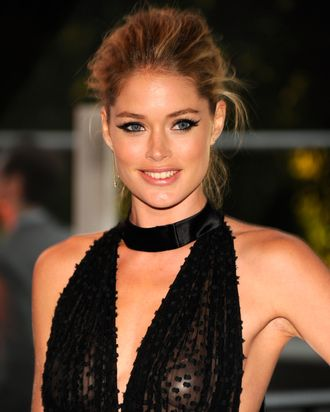 Doutzen Kroes attends 2012 CFDA Fashion Awards at Alice Tully Hall on June 4, 2012 in New York City.