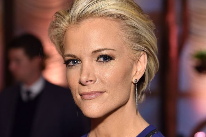 Megyn Kelly to Trump aide: Stop stirring up social media