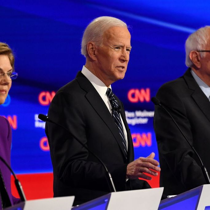 Democratic presidential hopefuls Massachusetts Senator Elizabeth Warren (L), former Vice President Joe Biden (C) and Vermont Senator Bernie Sanders participate of the seventh Democratic primary debate of the 2020 presidential campaign season co-hosted by CNN and the Des Moines Register at the Drake University campus in Des Moines, Iowa on January 14, 2020. (Photo by Robyn Beck / AFP) (Photo by ROBYN BECK/AFP via Getty Images)