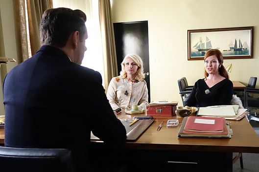 Michael Sheen as Dr. William Masters, Annaleigh Ashford as Betty and Erin Cummings as Kitty in Masters of Sex (season 2, episode 9) - Photo: Michael Desmond/SHOWTIME - Photo ID: MastersofSex_209_0583