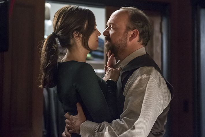 Maggie Siff as Wendy and Paul Giamatti as Chuck.
