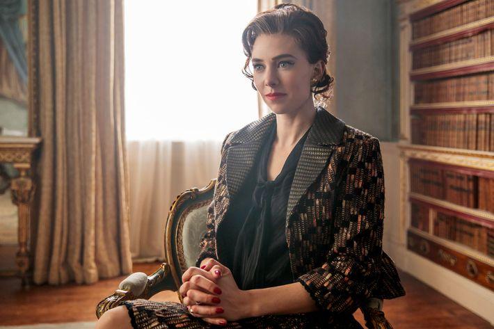 Vanessa Kirby As Princess Margaret In The Crown Photo Robert Viglasky Netflix
