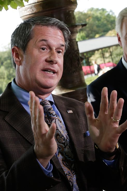 WASHINGTON, DC - SEPTEMBER 30:  Sen. David Vitter (R-LA) joins other Republican members of Congress while they hold a press conference on the Vitter Amendment as the U.S. legislative body remains gridlocked over legislation to continue funding the federal government September 30, 2013 in Washington, DC. Senate Majority leader Harry Reid has said the Senate would not vote on any legislation passed by the House to continue funding the federal government unless the legislation was free of Republican added amendments. Also pictured is Sen. Ron Johnson (R-WI) (R). (Photo by Win McNamee/Getty Images)