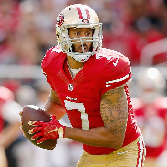 sale retailer e4b3c 4c81c Colin Kaepernick's Jersey Is Now the NFL's Best Seller