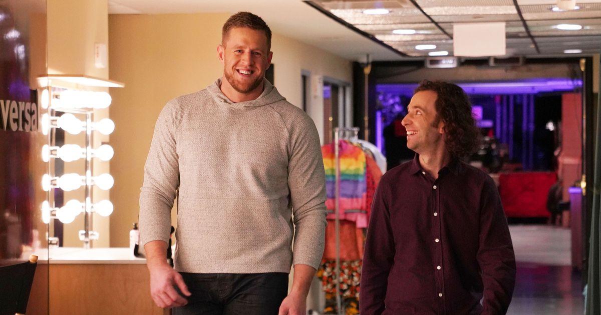 Sports Star J.J. Watt Hangs With 'Sports' Star Kyle Mooney in SNL Promo