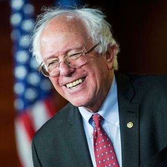Sanders To Challenge Hillary Clinton