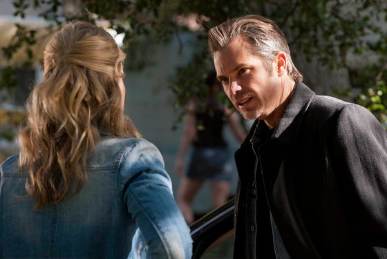 JUSTIFIED: Episode 6: When the Guns Come Out (Airs February 21, 10:00 pm e/p). Pictured L-R: Joelle Carter and Timothy Olyphant. CR: Prashant Gupta / FX