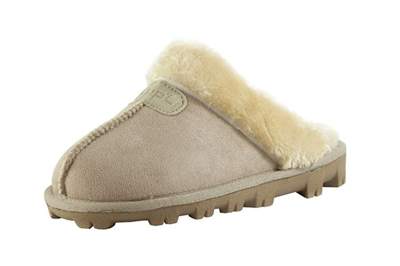 Clppli Women's Slippers With a Faux Fur Trim