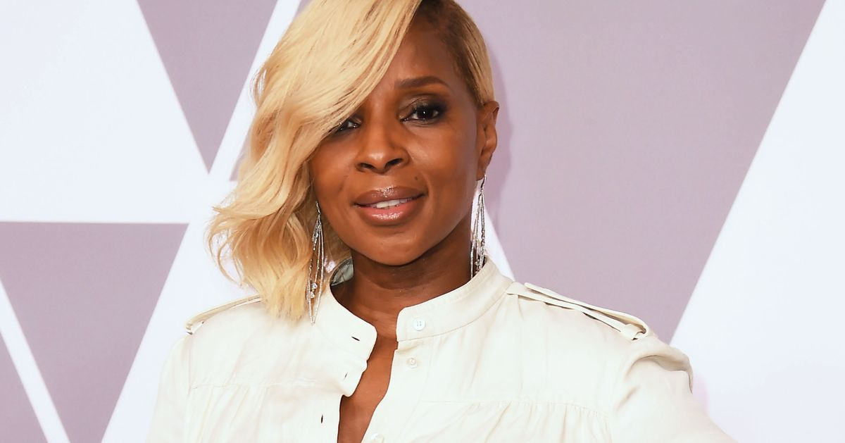 Singer Mary J. Blige arrives for the Annual Academy Awards Nominee Luncheon at the Beverly Hilton Hotel in Beverly Hills, California, on February 5, 2018.