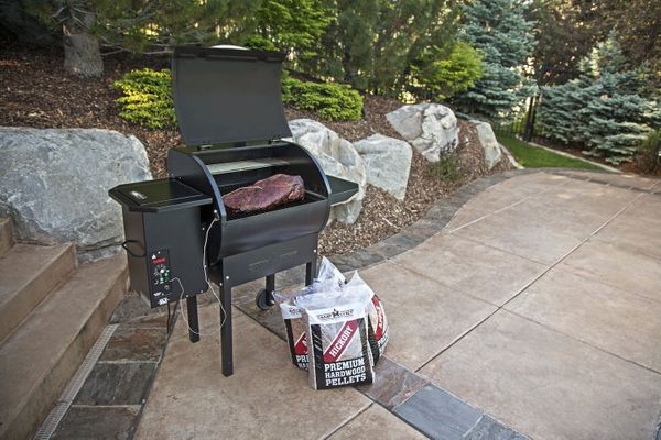 Camp Chef PG24DLX Deluxe Pellet Grill and Smoker BBQ