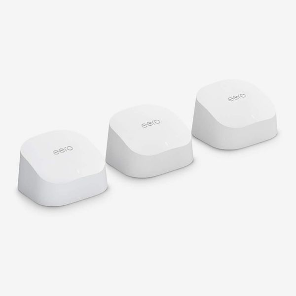 Amazon eero mesh Wi-Fi system with smart home hub (3-pack)