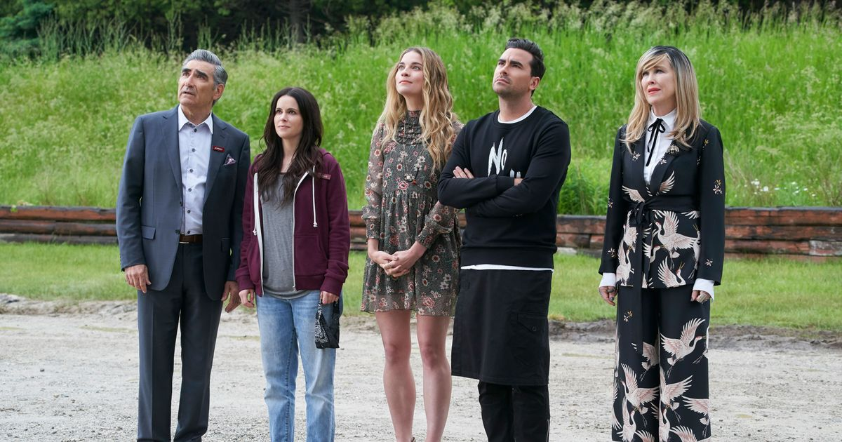 Say Goodbye to All Those Wigs, Schitt's Creek Will End With a Sixth and Final Season