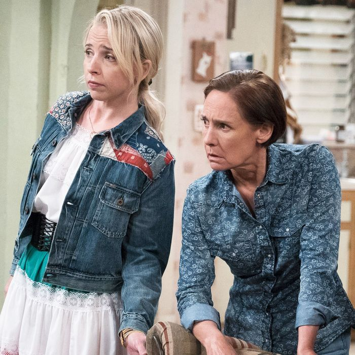 The Conners Premiere: How Does Roseanne Die?