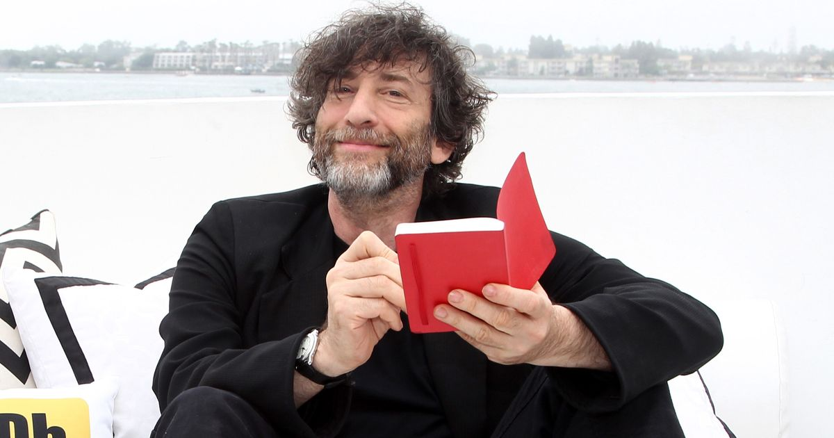 neil gaiman essays Her critical work can be found in the anthologies, feminism in the worlds of neil gaiman (mcfarland & company, 2012) and neil gaiman in the 21st century: essays on the novels, children's stories, online writings, comics and other works (mcfarland & company, 2015.