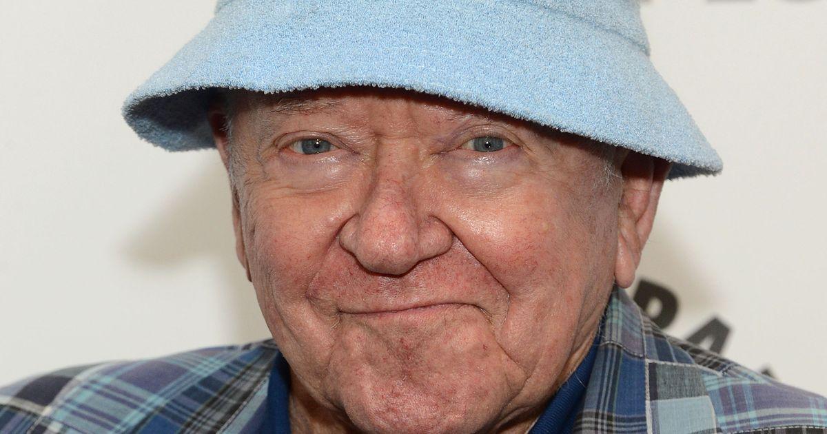 Community's Richard Erdman Dead at 93