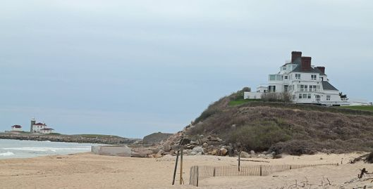 29 Apr 2013, Rhode Island, USA --- This is reportedly Taylor Swift's new ritzy $17m beach front Rhode Island home. According to US reports, the pop superstar paid just over $17m in cash to secure this 5 bedroomed, 11,000 square foot, beach front property in Rhode Island's upmarket Westerly community. Pictured: General view  --- Image by ? Ryan Turgeon/ /Splash News/Corbis