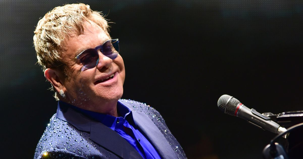 Dear God, Don't Poke Elton John, Caesar's Palace Isn't a Petting Zoo