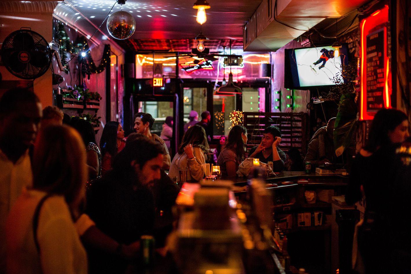 dating bar new york