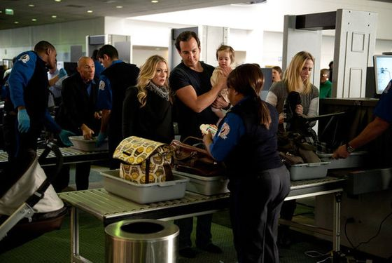 "UP ALL NIGHT -- ""Travel Day"" Episode 115 -- Pictured: (l-r) Christina Applegate as Reagan, Will Arnett as Chris, Delaney Prince as Amy -- Photo by: Colleen Hayes/NBC"