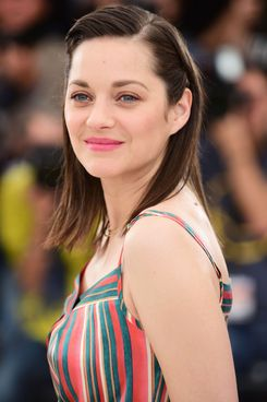 marion cotillard is the latest non feminist actress. Black Bedroom Furniture Sets. Home Design Ideas
