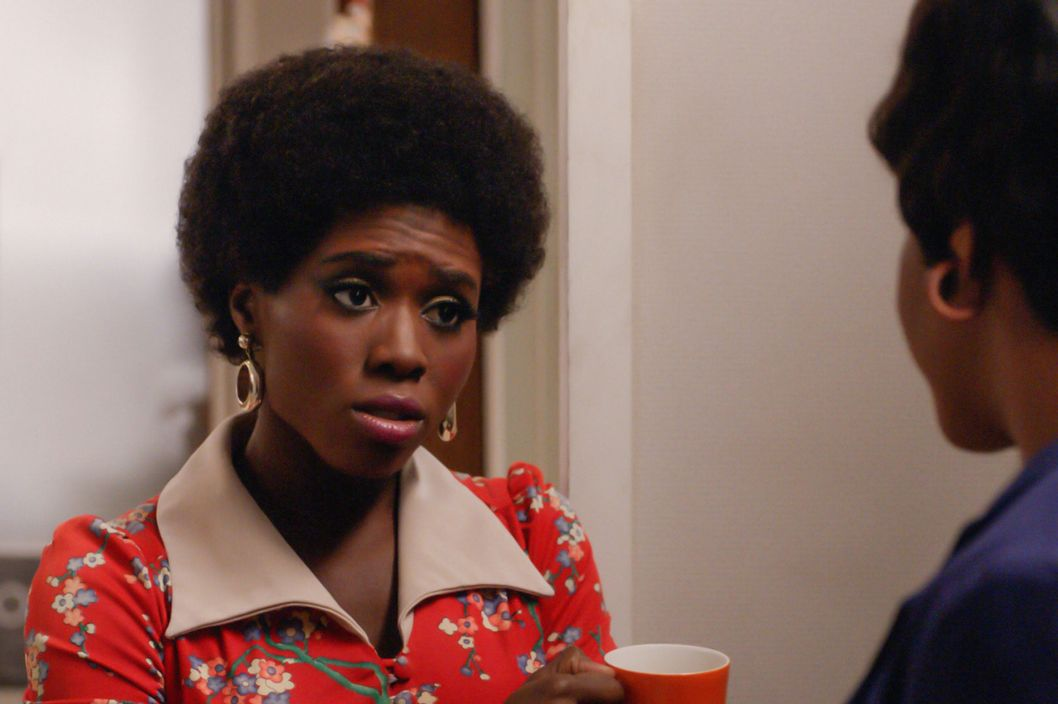 Sola Bamas as Shirley and Teyonah Parris as Dawn Chambers - Mad Men _ Season 7, Episode 2 - Photo Credit: Courtesy of AMC