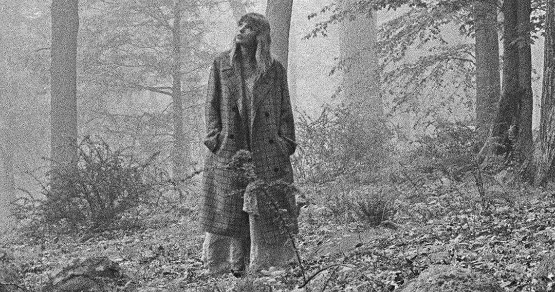 Listen Taylor Swift Drops Folklore Quarantine Album