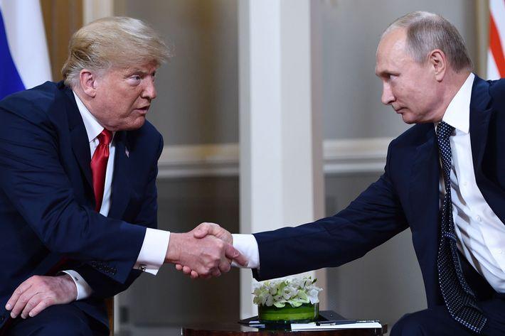 Putin trump ile ilgili görsel sonucu